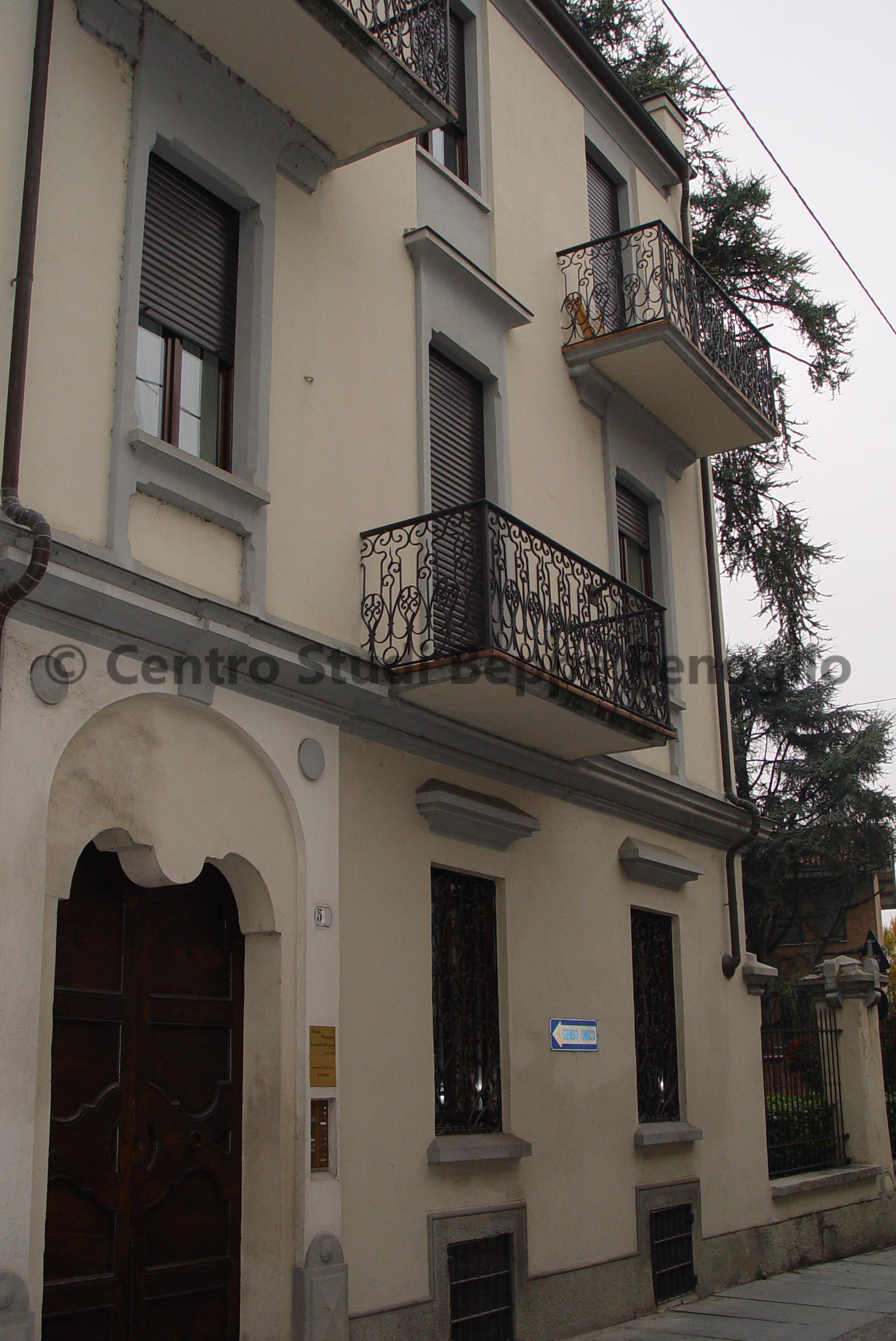 Architettura casa di via giraudi centro studi 39 beppe for Case di architettura spagnola
